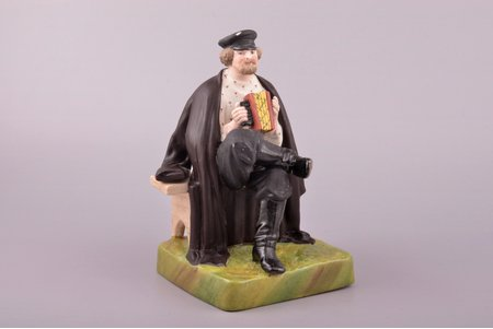 figurine, Accordion player, porcelain, Russia, Gardner manufactory, the beginning of the 20th cent., 17 cm, paint peeled off on hat, technological cracks between base and cape