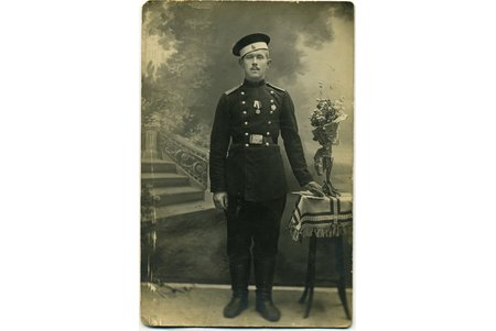 photography, soldier with award, Russia, beginning of 20th cent., 14x9 cm