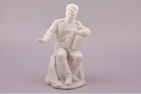 figurine, soldier Tyorkin, bisque, Riga (Latvia), USSR, Riga porcelain factory, molder - Prokopy Dobrynin, the 50ies of 20th cent., 20.5 cm