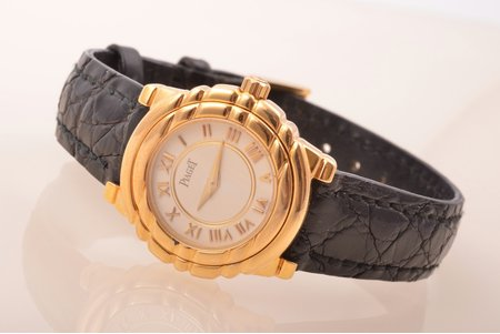 "women's wristwatch ""Piaget"" Tangara, gold, 18 K standart, 31.86 g, 25 mm, original leather strap with 18k gold buckle, with documents and original box"