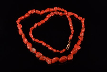 beads, coral Sardo Grezzo, size of the beads: (largest) 1.6x1.5x0.9 cm / (smallest) 0.6x0.4x0.4 см, 42.19 g., length 60 cm