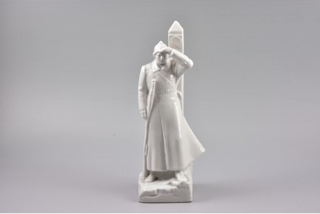figurine, Border guard, USSR, LFZ - Lomonosov porcelain factory, molder - K.Rizhov, the 30ties of 20th cent., 23.7 cm
