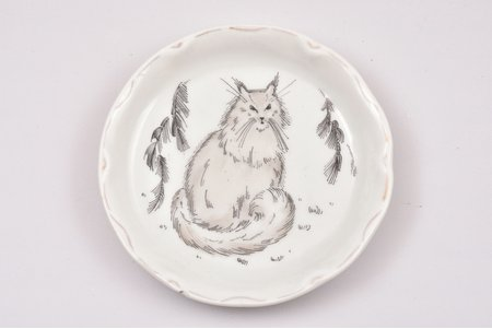 "cup plate, The Cat, porcelain, sculpture's work, Porcelain Painting Workshop ""Baltars"", handpainted by Annija Eska, Riga (Latvia), the 20ties of 20th cent."