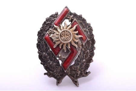 badge, Latvian Youth Union, Latvia, 20-30ies of 20th cent., 32.8 x 24.4 mm, enamel defects