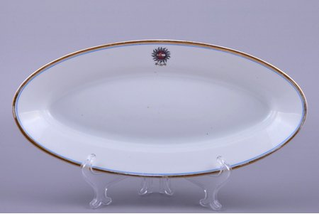 plate, Riga Crafts society, porcelain, M.S. Kuznetsov manufactory, Riga (Latvia), 1937-1940, 31.6 x 14.8 cm, second grade
