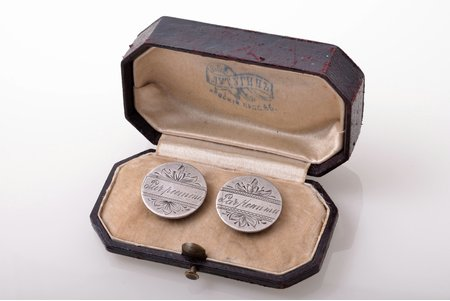 "cufflinks, ""Par piemiņu"" (""For memory""), silver, 84 standart, 8.17 g., the item's dimensions Ø 1.95 cm, 1908-1917, Riga, Russia, in a case"