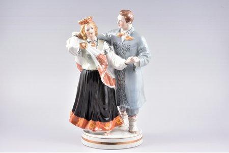 figurine, Folk dance, porcelain, Riga (Latvia), USSR, Riga porcelain factory, molder - Zina Ulste, 1954-1962, h 33 cm, second grade, black skirt
