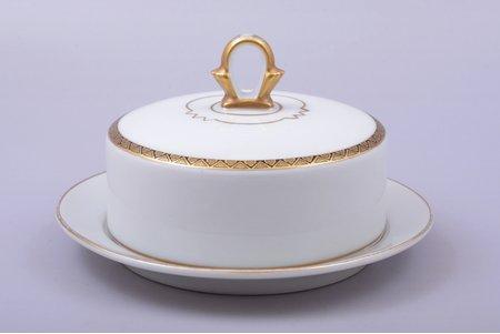 butter dish, porcelain, M.S. Kuznetsov manufactory, Riga (Latvia), 1934-1936, Ø 16 cm, h 9.3 cm, third grade