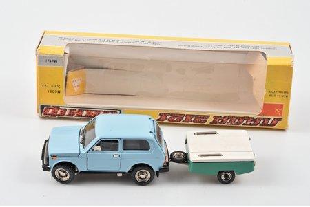 "car model, VAZ 2121 Niva Nr. A20, damaged tow hitch, metal, USSR, 1986, with ""SKIF"" trailer"