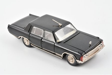 car model, ZIL 117 Nr. А31, metal, USSR, 1983-1985, damaged antenna