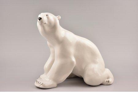 statuete, Baltais lācis, PSRS, LFZ - Lomonosova porcelāna rūpnīca, modeļa autors - B.J. Vorobjovs, 20gs. 60-70tie gadi, h 26 cm