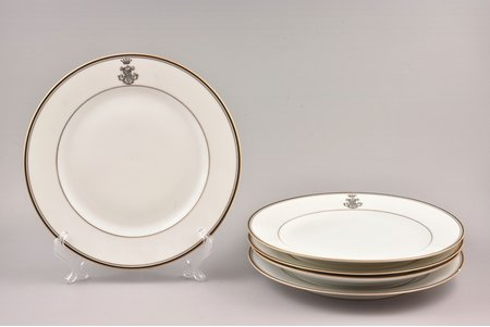 set of 5 plates, monogram of the noble family, porcelain, J. Jaksch & Co, Riga (Latvia), Russia, Ø 23.4 cm, chip on the edge of one plate