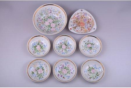 set, 8 items: jam dish Ø 14.9 cm, 6 jam dishes Ø 9.9 cm, ashtray 12.4 x 12.6 cm, porcelain, sculpture's work, handpainted by Beata Shenberga (Galickaya), Riga (Latvia), 1978-1979