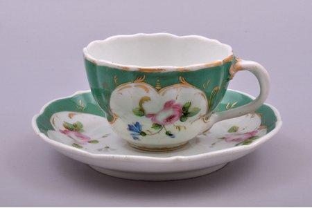 tea pair, porcelain, Kornilov Brothers manufactory, Russia, 1843-1861, h (cup) 6 cm, Ø (saucer) 15.5 cm