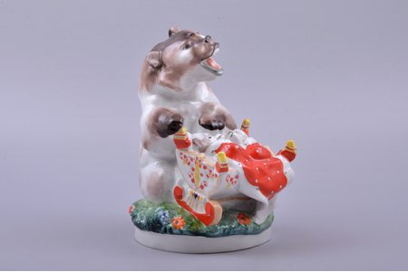 figurine, Bear mother with a cradle, porcelain, USSR, LFZ - Lomonosov porcelain factory, molder - Charushin E., h 16.5 cm, third grade