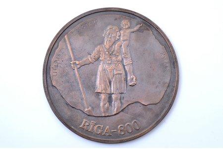 table medal, (large size), Riga-800, Big Kristaps, Latvia, 2001, Ø 207 mm, 1582.9 g