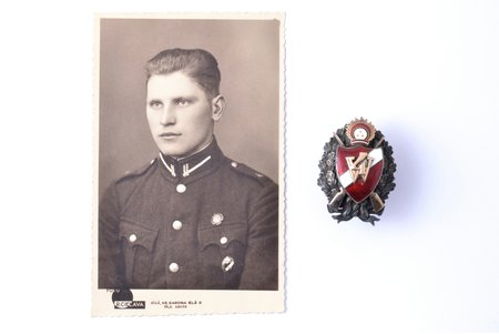знак, фотография, 4-й Валмиерский пехотный полк, с накладными золотыми деталями, серебро, Латвия, 30-е годы 20-го века, 47.6 x 34.8 мм