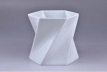 vase, porcelain, Rosenthal, shape by Jan van der Vaart, Germany, the 2nd half of the 20th cent., h 12.1 cm