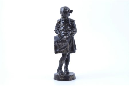 статуэтка, Пионерка с портфелем (Школьница), чугун, h 20 см, вес 895.30 г., СССР, Касли, 1964 г.