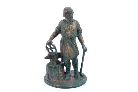 "статуэтка, ""Кузнец"", бронза, h 11.8 см, вес 590.05 г."