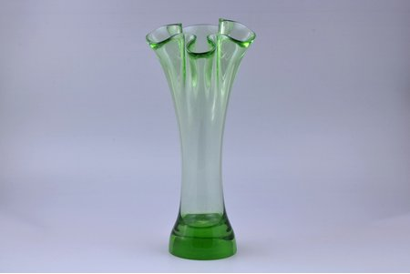 vase, Līvāni Glass factory, Latvia, h 32.9 cm