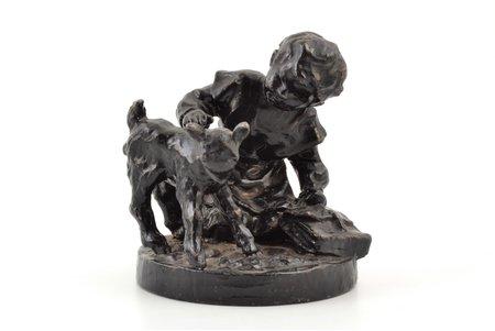 """статуэтка, """"Девочка с козленком"""", чугун, h 9.6 см, вес 872.55 г., СССР"""
