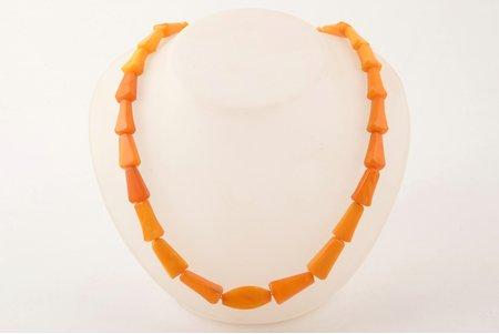 beads, 28.20 g., amber, lenghth 54 cm