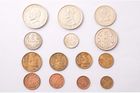 комплект, 14 монет Литвы: 10 литов - Антанас Сметона (1938), 5 серебряных монет (1925-1936), 8 алюминиево-бронзовых монет (1925-1936), Литва