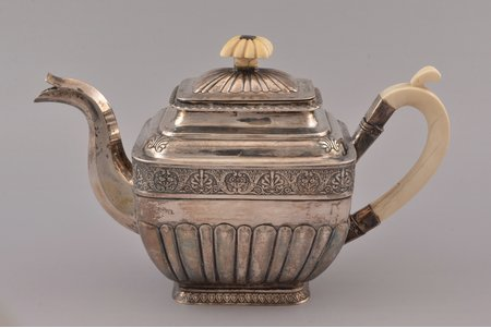"""small teapot, silver, 84 standart, gilding, 1835, total weight of item 678.70g, Iganty Sazikov's firm """"Sazikov"""", Moscow, Russia, h 15.8 cm"""