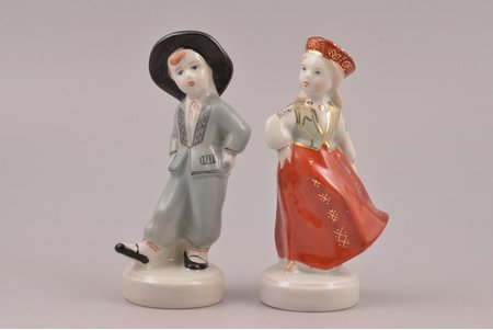 figurine, Folk dance (couple), porcelain, Riga (Latvia), USSR, Riga porcelain factory, molder - Leja Novozeneca, 11.2 / 10.9 cm, first, second grade