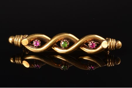 a brooch, gold, 56 ПТ standart, 7.28 g., the item's dimensions 5.5 x 1 cm, emerald, ruby, the end of the 19th century, import hallmark, imported via Riga