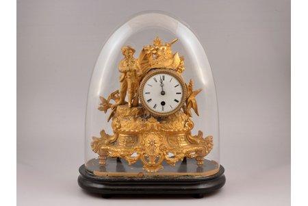 kamīna pulkstenis, ar stikla kupolu, zeltījums, špiatrs, svars ar kupolu 2800 g, 31 x 31 x 15.5 cm, darbojas, ar atslēdziņu, neliels defekts augšpusē