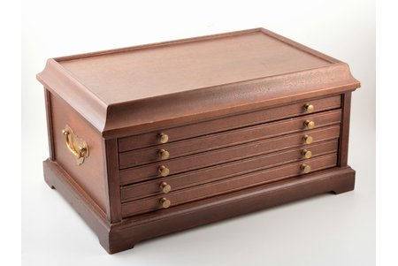 coin cabinet, 5 drawers: 2 drawers with place for 13 coins + 2 drawers with place for 12 coins + 1 drawer, brass, mahogany, 22.4 x 44.7 x 29 cm