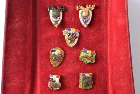 комплект, 7 знаков, Общество охотников Румынии (AGVPS Romania), бронза, позолота, посеребрение, эмаль, Румыния, 50е-60е годы 20-го века, скол эмали на одном из знаков