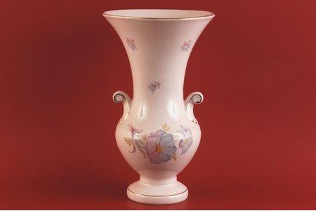 ваза, Розовая фарфоровая масса, фабрика М.С. Кузнецова, Рига (Латвия), 1937 г., 29 см