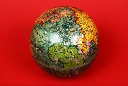 kastīte, konfekšu, globuss, A/S V.Ķuze, metāls, Latvija, 20 gs. 20-30tie gadi
