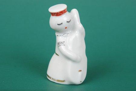 statuete, Meitene no ansambļa ar kontrabasu, porcelāns, Rīga (Latvija), PSRS, Rīgas porcelāna rūpnīca, modeļa autors - Levons Agadžanjans, 20 gs. 60tie gadi