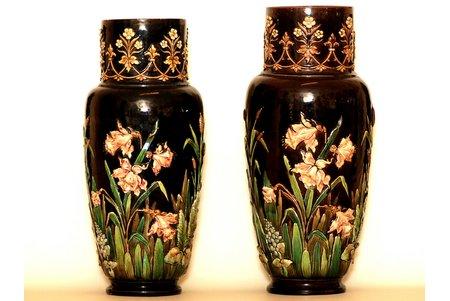 """vāze, pāris, """"Celms un Bēms"""" (Zelm & Boehm), ~48 cm, majolika, Latvija, Krievijas impērija, ~ 1890 g."""