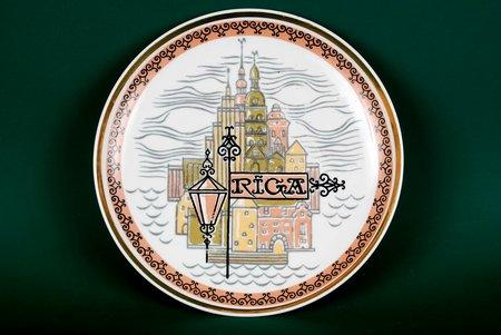 "wall plate, ""Rīga"", Rīga porcelain factory, Riga (Latvia), USSR, the 70-80ies of 20th cent., 24.5 cm"