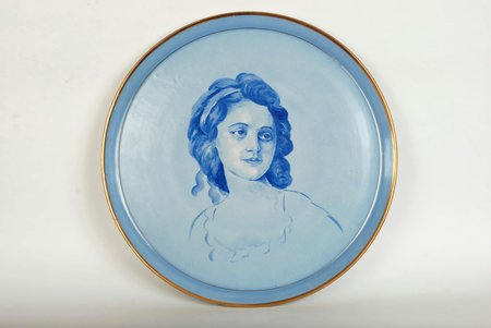 wall plate, Portrait of a woman, Rīga porcelain factory, Riga (Latvia), USSR, the 50ies of 20th cent., 35.5 cm, handpainted