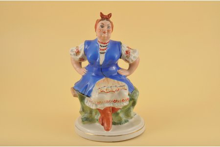 figurine, Clerk's wife, porcelain, Riga (Latvia), USSR, Riga porcelain factory, molder - Leon Tomoshitsky, the 50ies of 20th cent., 20.5 cm, 2nd rate